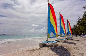 Sails-on-the-Beach